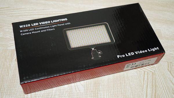 Andoer LEDビデオライト 箱