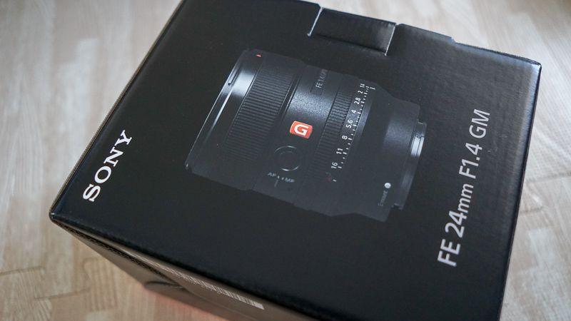 FE24mmF1.4GMの化粧箱