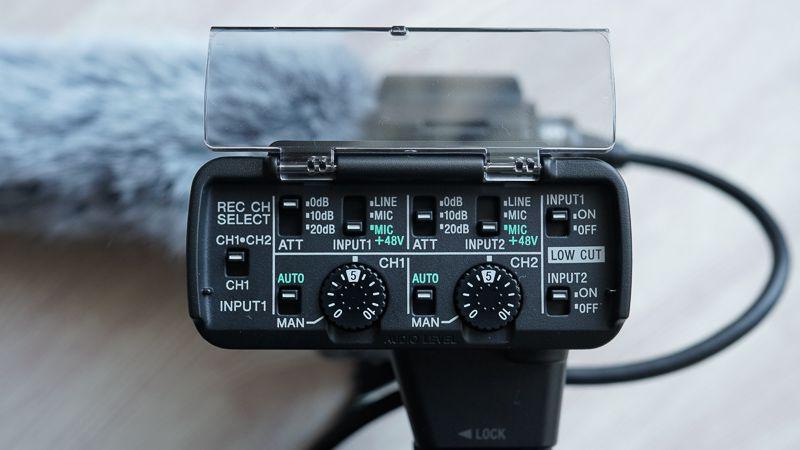 SONY XLR-K2Mの操作面の写真