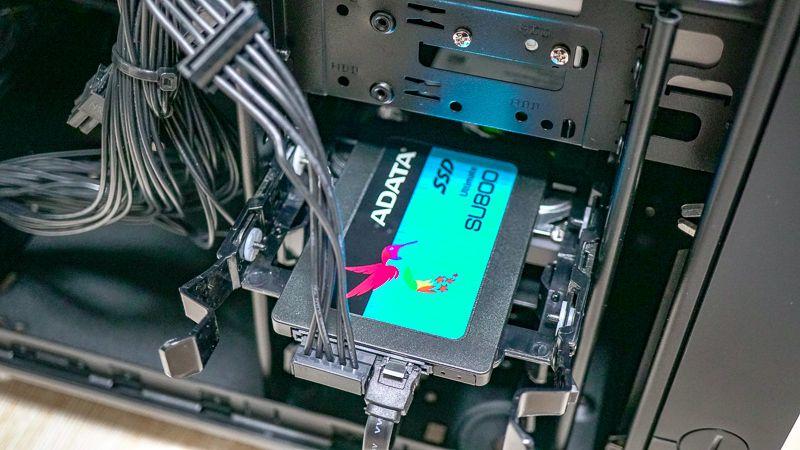 ADATA SU650 3D-NAND 2.5インチ SATA III SSD