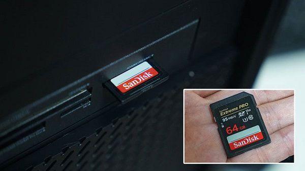 マウスコラボPCにSDカードを挿す