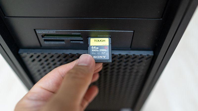 マウスコンピューターパソコンのメモリーカードリーダー